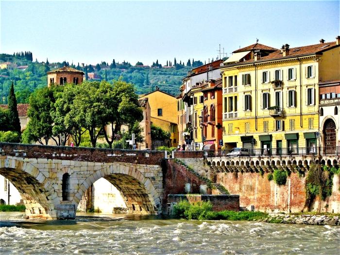 Verona Italia Tour